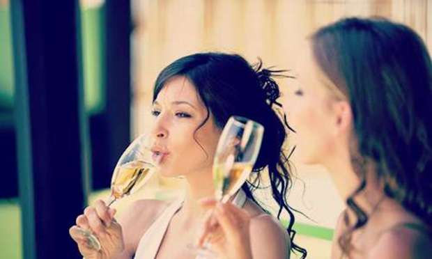 Paris Hen Do Champagne Tasting Party Package | Hen Weekends
