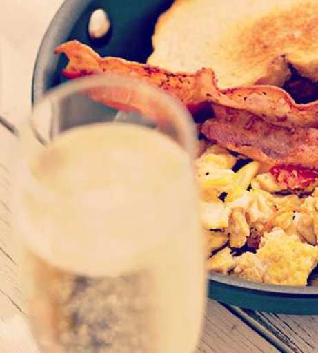 Fuengirola Hen Party Packages - Brunch, Bubbly and Butlers